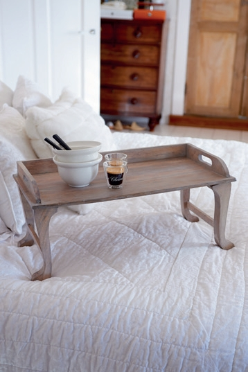 marina hills wooden mini table rivi ra maison. Black Bedroom Furniture Sets. Home Design Ideas