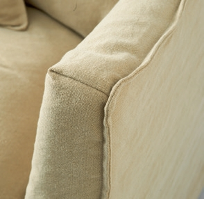 Oyster Pond Love Seat washed linen flax / Rivièra Maison