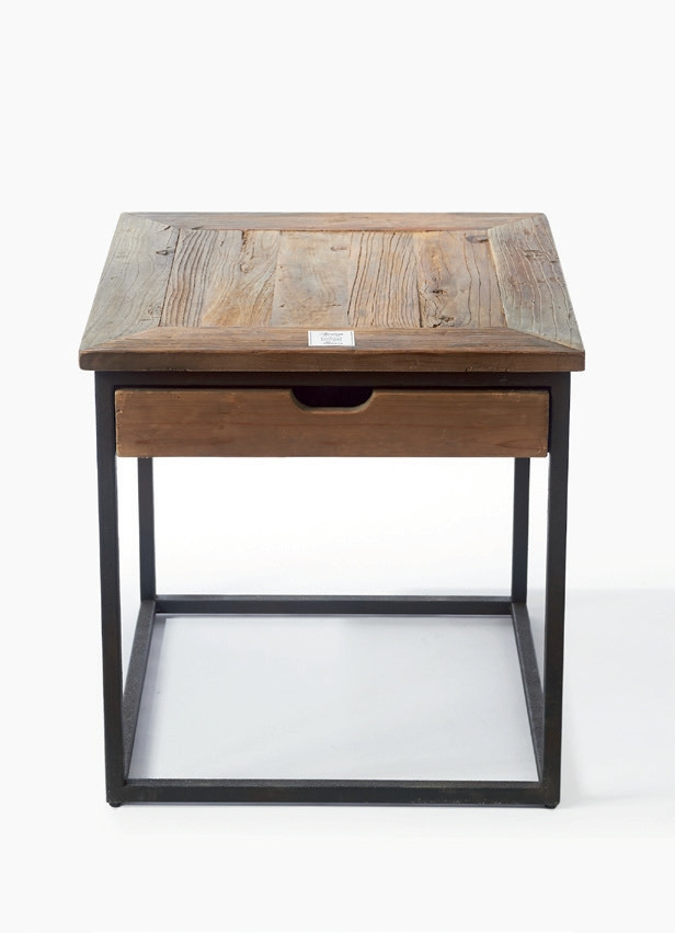 Shelter Island End Table with Drawer / Rivièra Maison